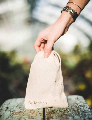 Walleriana clutch for tights - to carry & protect them at all times