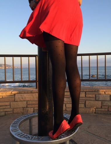Le collant parfait - solide, gainant, compression jambes légères, plumetis noir