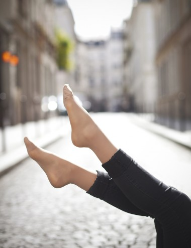 Les mi-bas de contention voile invisible - jambes légères même en été
