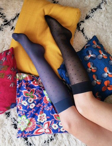 Les mi-bas parfaits - jambes légères, confortables, non comprimant, noirs ou bleu ciel d'orage avec motif petits carrés