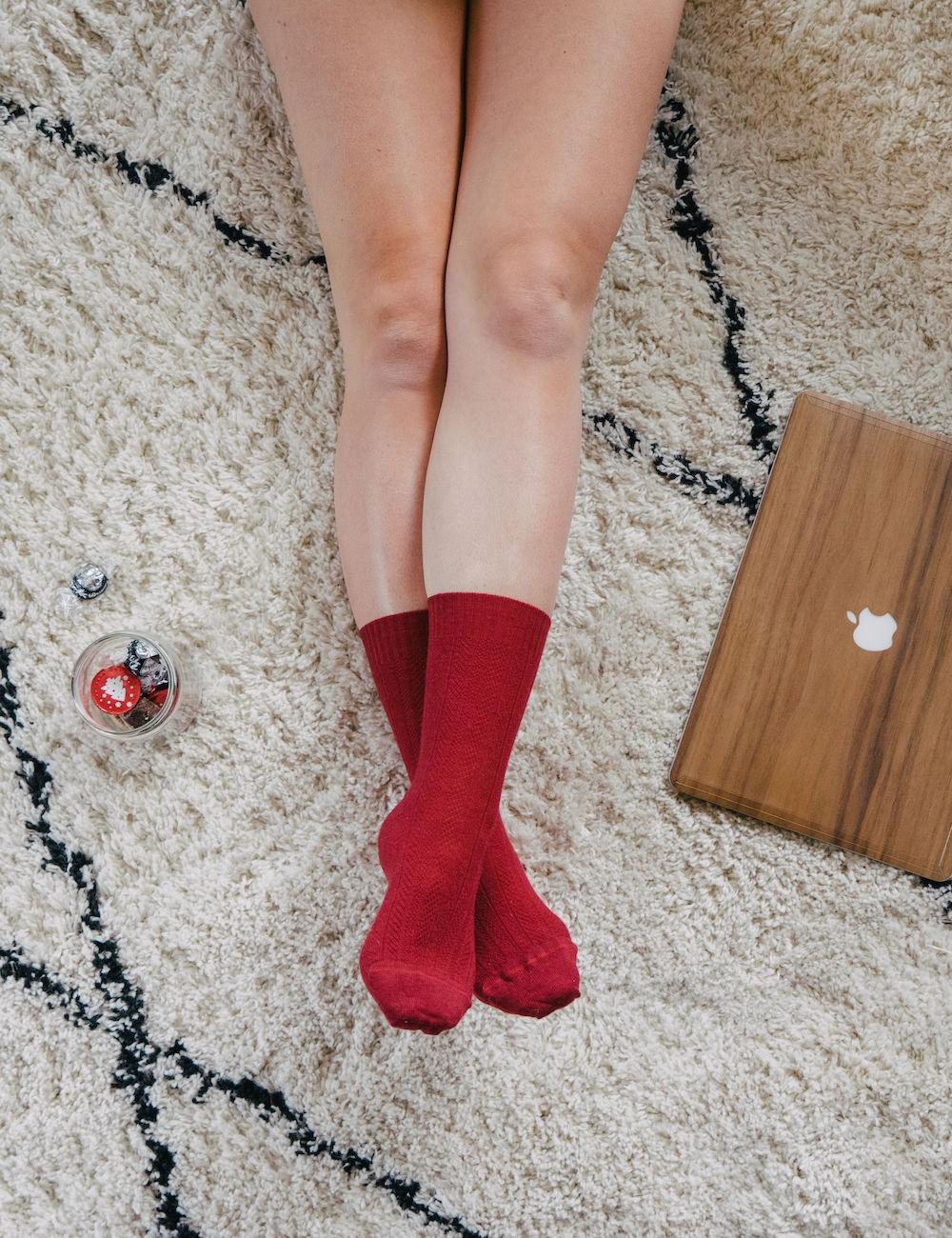 Les chaussettes parfaites - non comprimantes, sans élastique, thermorégulatrices, chaussettes  en laine peignée Skye rouges